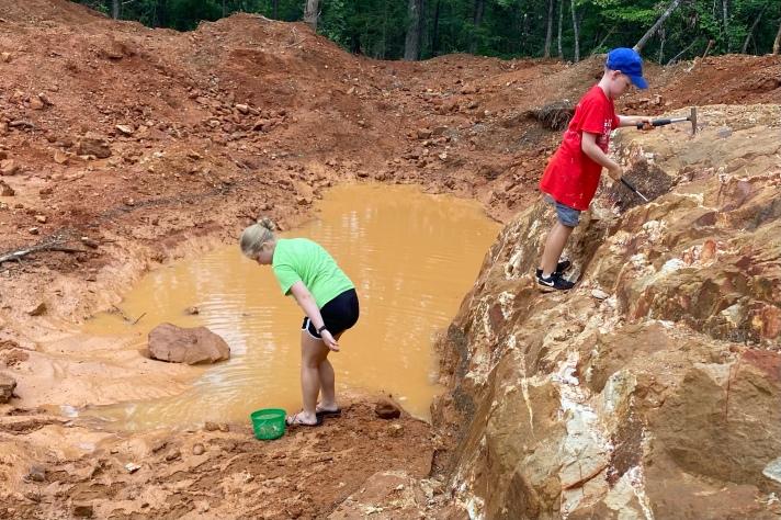 Digging in the dirt and mud at Wegner Quartz Mine  - future rockhound